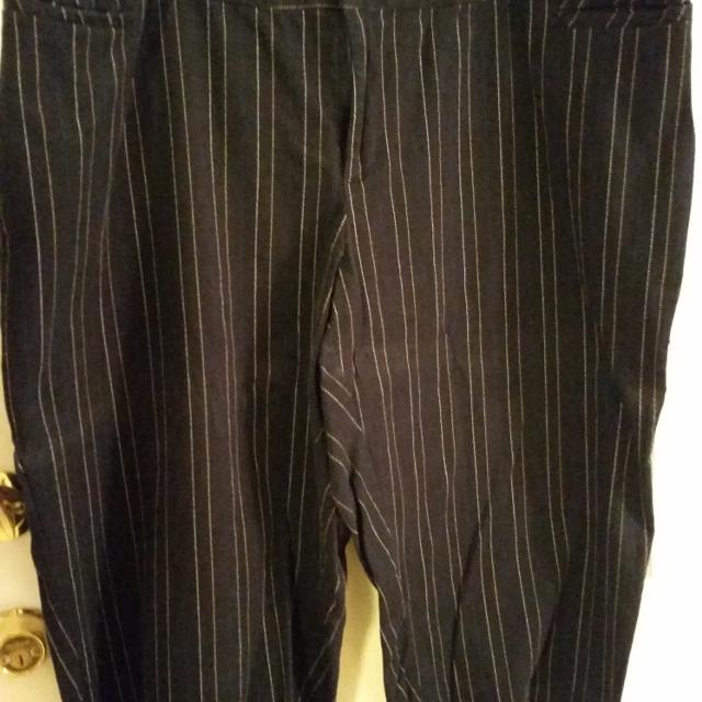 d8e1e96ffe1d5 Size 26 Capri pants George womens plus brand navy blue with very thin  stripes going down