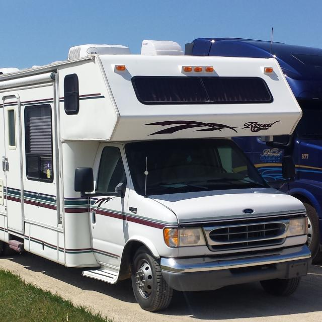 find more ford 7 3 powerstroke diesel royal classic motorhome for sale at up to 90 off. Black Bedroom Furniture Sets. Home Design Ideas