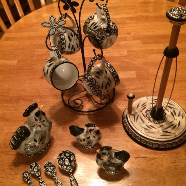 Temptations Old World Black Kitchen Accessories