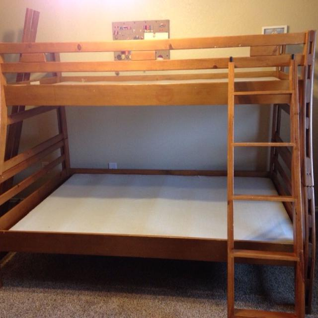 Rooms To Go Twin Over Full Wood Bunk Beds With Or Without Mattress