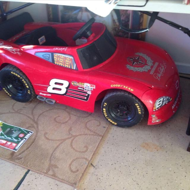 kids battery operated ride on vehicle aka official nascar 8 dale jr race car