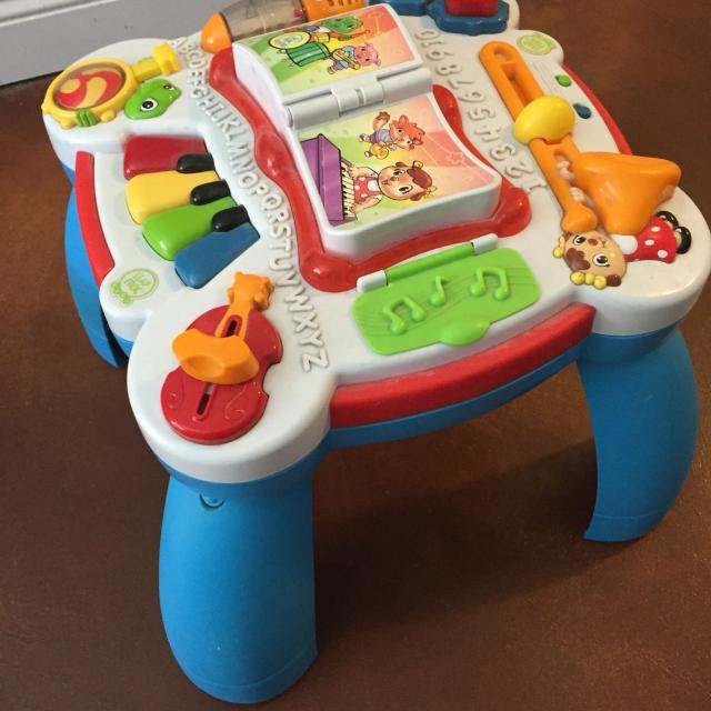 Leap Frog Baby Stand Up Play Table
