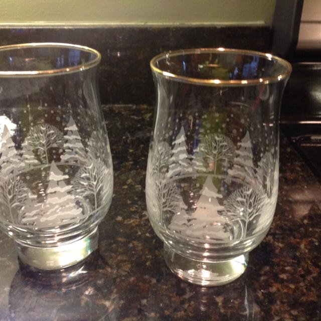 2 vintage etched glass christmas drinking glasses with gold - Christmas Drinking Glasses
