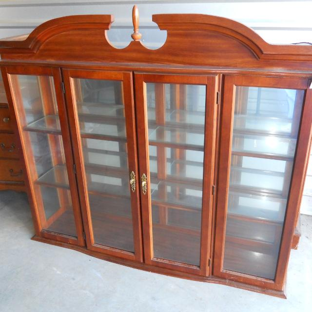 Bett China Cabinet Top Only