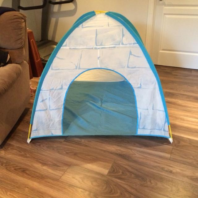 find more tente igloo igloo tent ikea for sale at up to 90 off vaudreuil qc. Black Bedroom Furniture Sets. Home Design Ideas