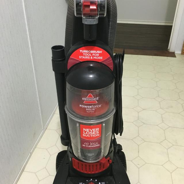 Best Bissell Helix Turbo Bagless Upright Vacuum Cleaning