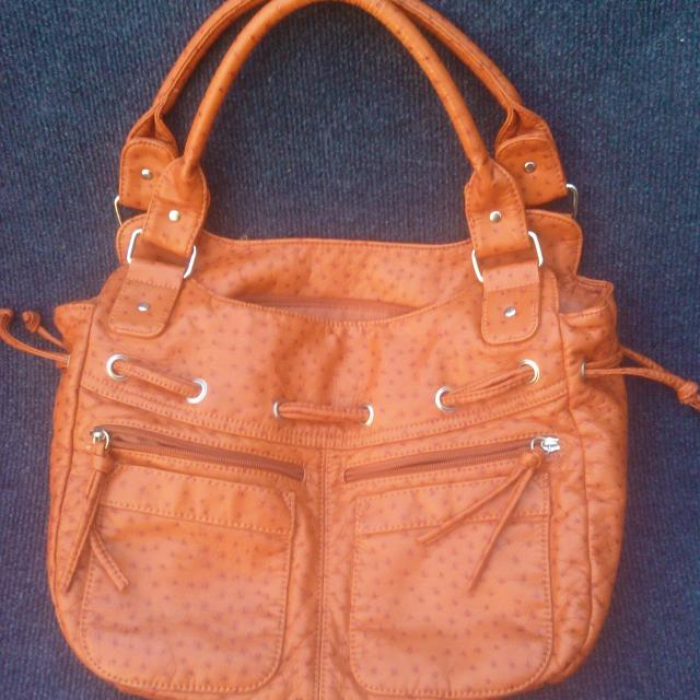 Bueno Purse Orange Med Size Has A Nice Cool Texture Perfect For
