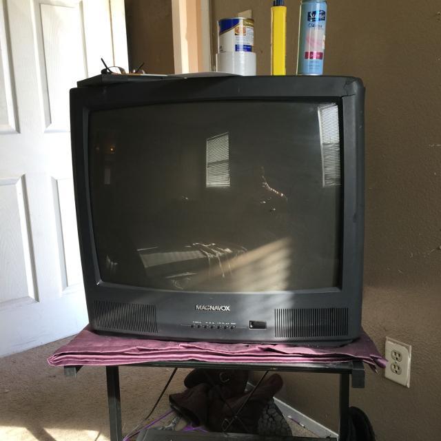 best box tv free near walmart in nb it is broken on side