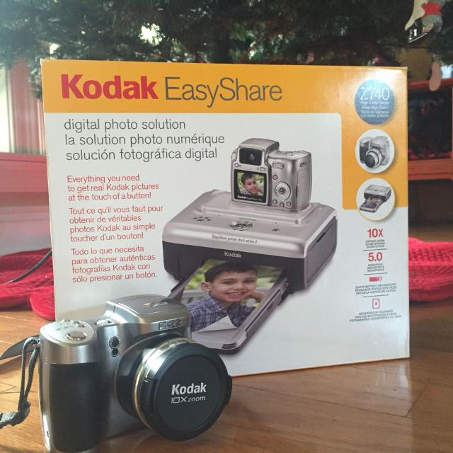 Kodak EasyShare Z740 camera with docking/printing station  Great condition   $50  Meet at Walmart on Dawes or Target on Schillinger