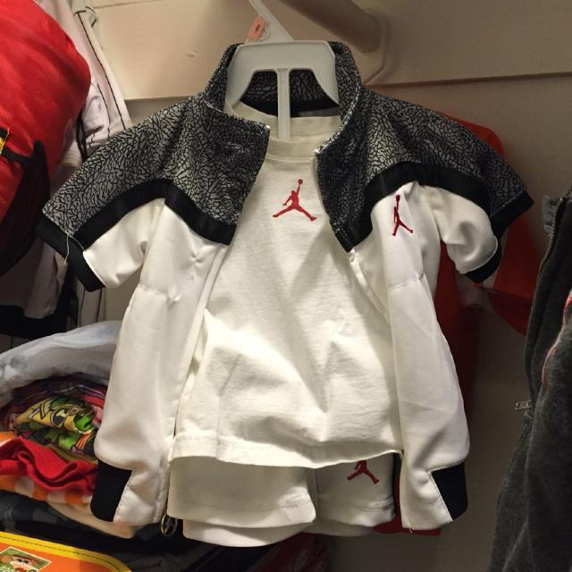 8afc985e9ce78e Best Nike Jordan! Genuine Nike 12 Month Boys Jogging Outfit!! So Cute! for  sale