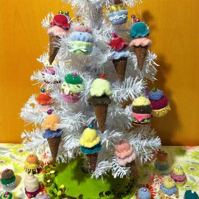 869cd945dd2587 Best Cashmere Handmade Cupcake & Ice Cream Cone Ornaments for sale in San  Benito County, California for 2019