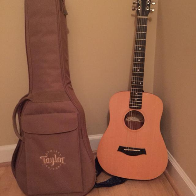 Baby Taylor Guitar Includes Gig Bag And Neck Strap Excellent Condition All For Only