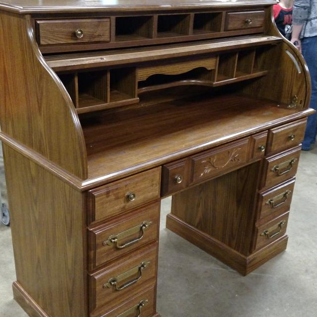 Lowering The Price I Would Like To This Riverside Furniture Roll Top Desk