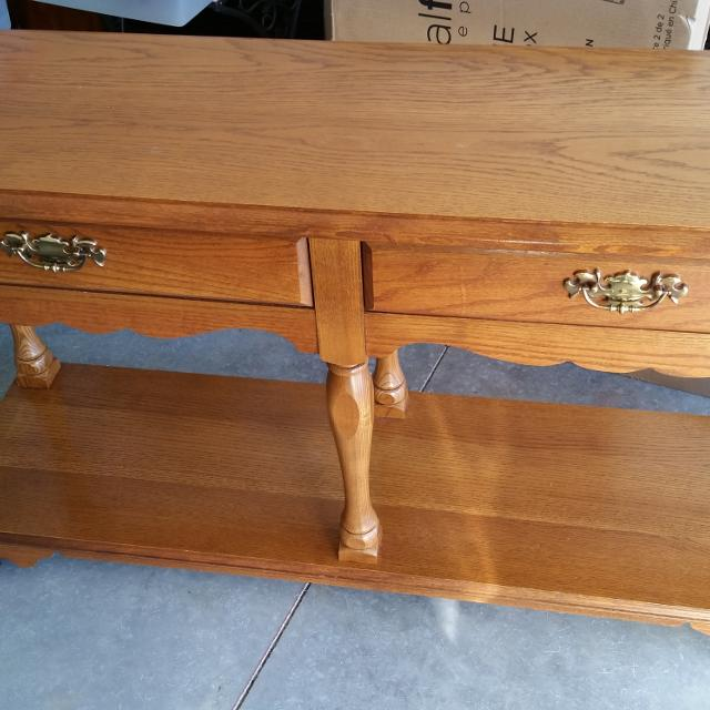 Broyhill Sofa Table Euc Used In Foyer 54 Length 29 Height 16