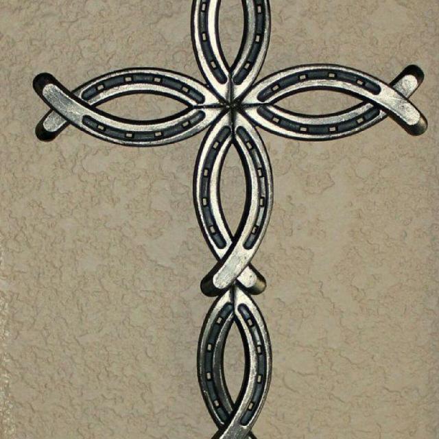 Best custom made horseshoe cross for sale in katy texas for Horseshoe crafts for sale