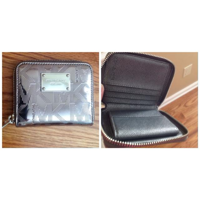 6d2a955577687 Find more Michael Kors Small Wallet Like New Can Be Used As Gift. It ...