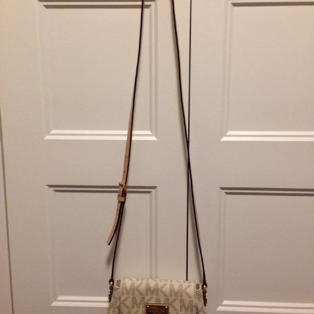 5c9ffe4c212a Find more Michael Kors Jet Set Small Flap Crossbody Bag