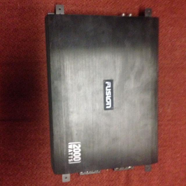 Fusion 2000 watt amp