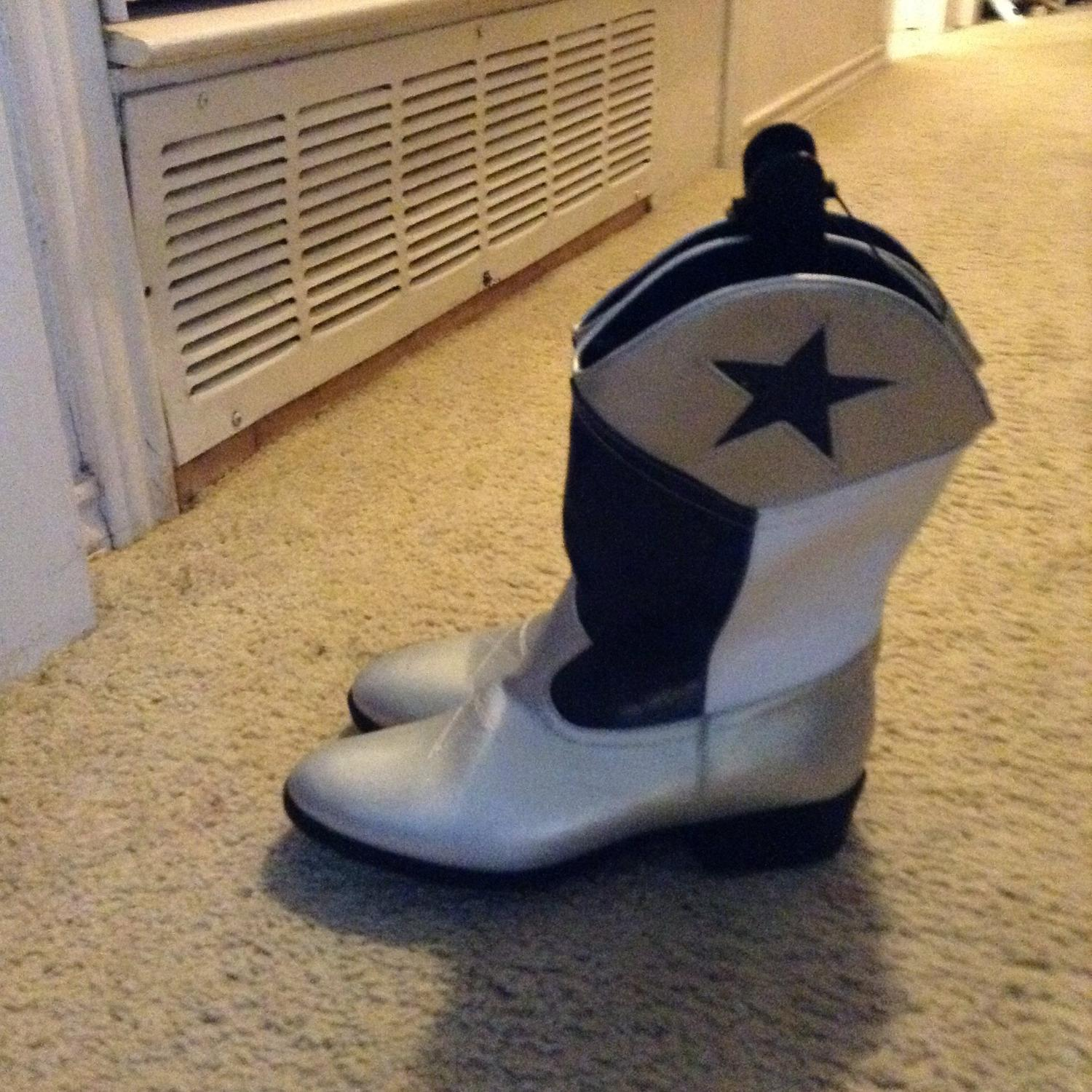 finest selection 5d8e8 34137 reduced to 75 nwt dallas cowboy boots girls 6 or women 7/8