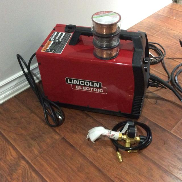Mig Welder For Sale >> Bn Lincoln Mig Welder Used Once On Sale This Week At Canadian Tire For 499