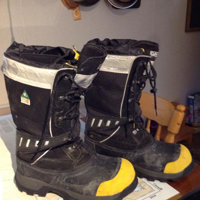 Find more Dakota Steel Toe Winter Work Boots Used One Time In The ...