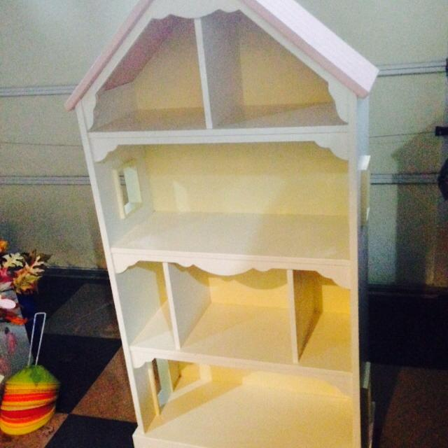 Pottery Barn Kids Cottage Dollhouse Bookcase Excellent Condition 56 Tall