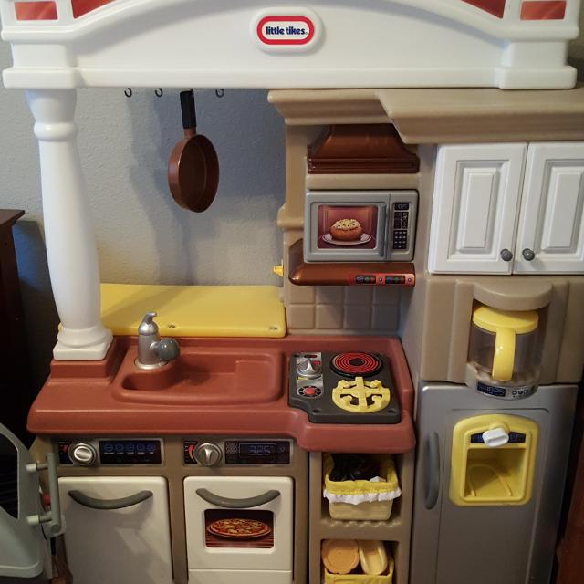 Find more Little Tikes Kitchen & Grill for sale at up to 90% off ...