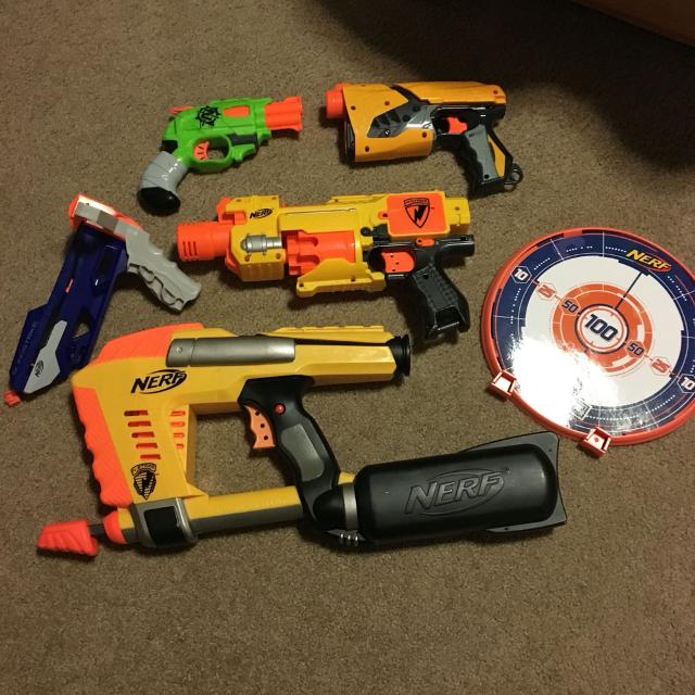 Assorted Nerf guns and Nerf Target. All in brand new condition. Includes  Magstrike,