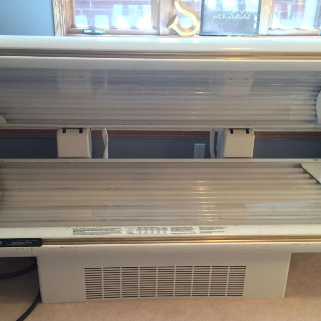 Wolfe Sundash R32b Used Tanning Bed Works Great New Bulbs Commercial Grade Tanning Bed Buyer To Pick Up 999 Or Best Offer