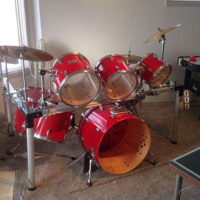 PEARL World Series 7 Piece Drum Set With Half Rack