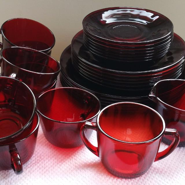 Vintage Anchor Hocking Depression Glass Royal Ruby Red Dish Setting For 6