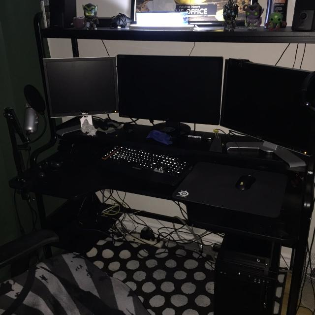 best ikea fredde workstation for sale in lachine quebec for 2019. Black Bedroom Furniture Sets. Home Design Ideas