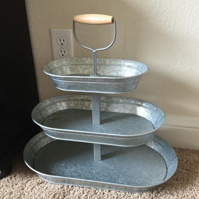 galvanized metal table find more 20inx20in 3 tiered galvanized metal stand great