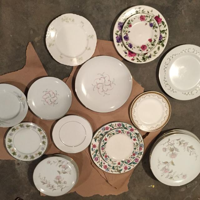Mismatched China Plates 2 A Piece For Dinner 1 50 Per Plate