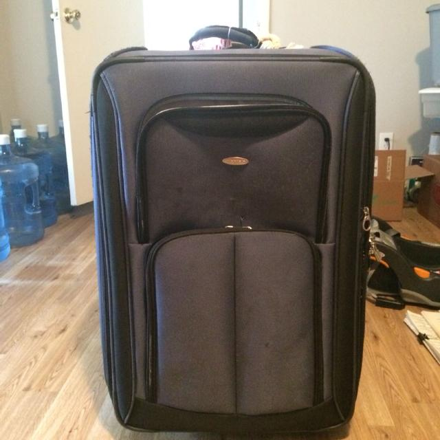 Best Extra Large Suitcase For Sale, Front Top Pocket Flaps Open ...