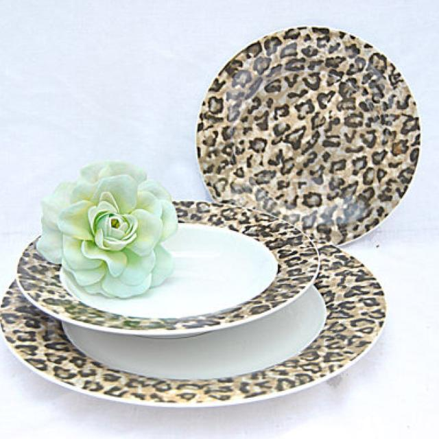 16 Piece Tienshan Fine China Leopard Print Dish Set