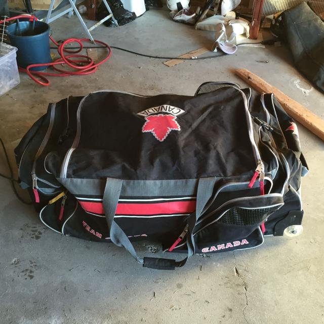 Find More Team Canada Hockey Bag Large Wheeled Telescopic Handle