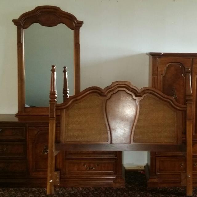 Best Bedroom Furniture Stanley Dresser Armoire Mirror Headboard For Sale In Kenosha Wisconsin For 2021