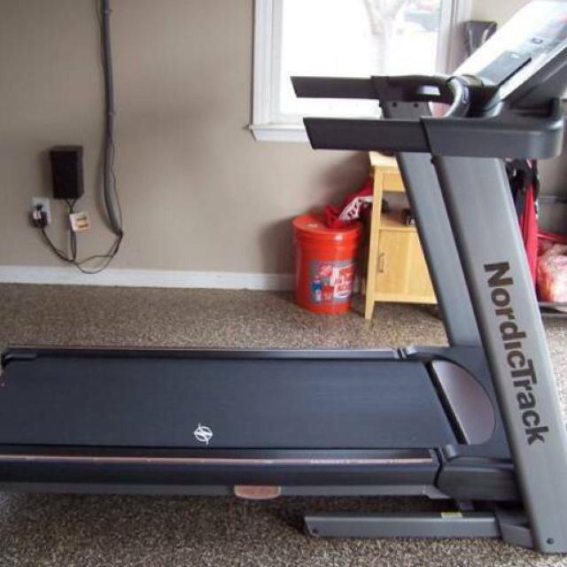 Find more nordictrack a2550 folding treadmill excellent condition nordictrack a2550 folding treadmill excellent condition 420 obo fandeluxe Image collections
