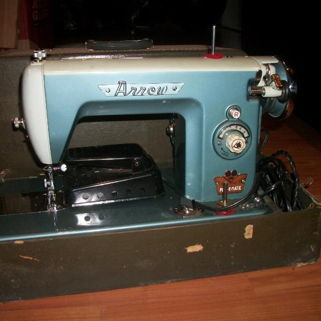 Best Antique Arrow Sewing Machine With Cover For Sale In Vaudreuil Enchanting Arrow Sewing Machine