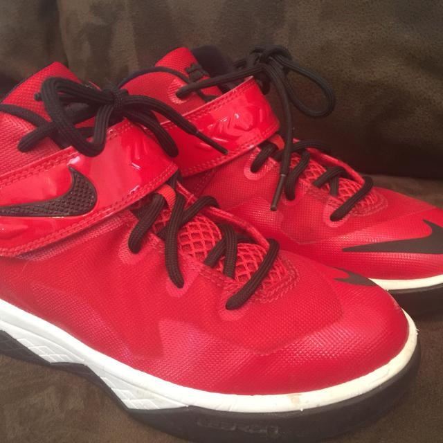 be042a04d8d Best Lebron James Nike Basketball Shoes. Boys Size 1- Very Gently Used