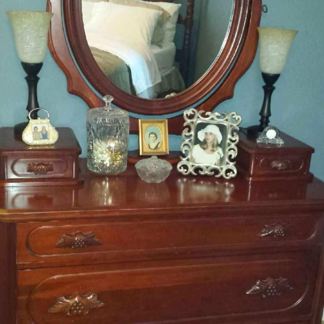 Best Antique 1950\'s Cherry Lillian Russell 5 Piece Bedroom Suite for ...