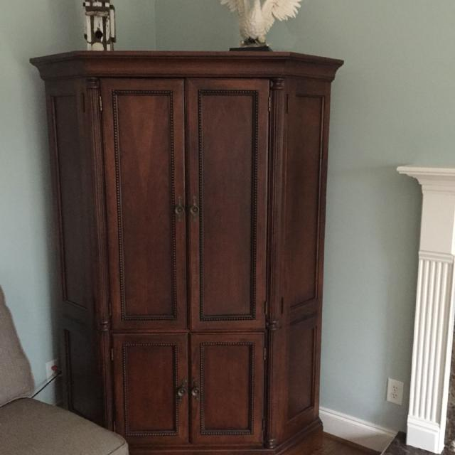 Beautiful 76 Tall 25 Deep 56 Wide Corner Entertainment Center Paid About
