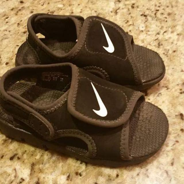 ba3c962ac661b8 Best Boys Nike Sandals Size 7c for sale in Lake Elsinore