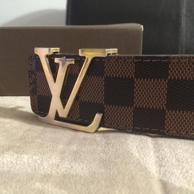 886803aaa90 Men's Louis Vuitton belt. Classic Brown Damier Pattern gold buckle. Size  32-36