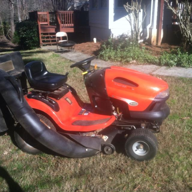 John Deere Scotts Lawn Tractor