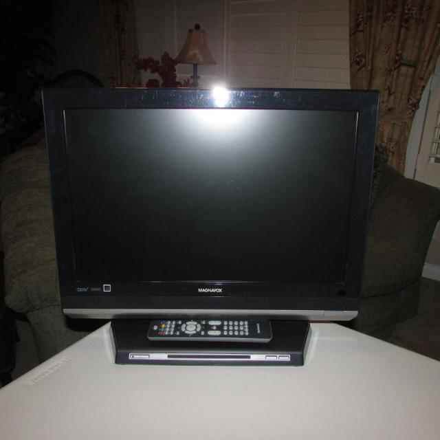 Find More 19 Flat Screen Magnavox Tv With Built In Dvd Player For