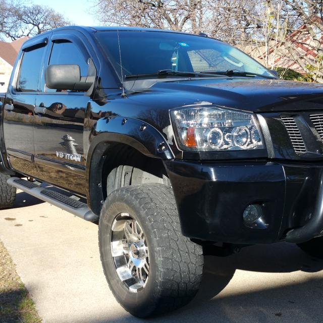 best 2008 nissan titan 4x4 v8 4 door black small lift kit nice rims and tires comes with a. Black Bedroom Furniture Sets. Home Design Ideas