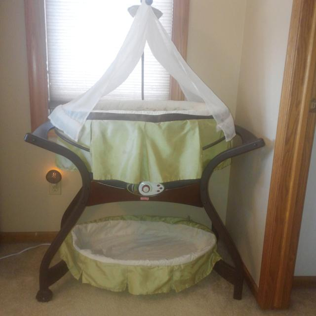 Fisher Price Baby Bassinet From Zen Collection