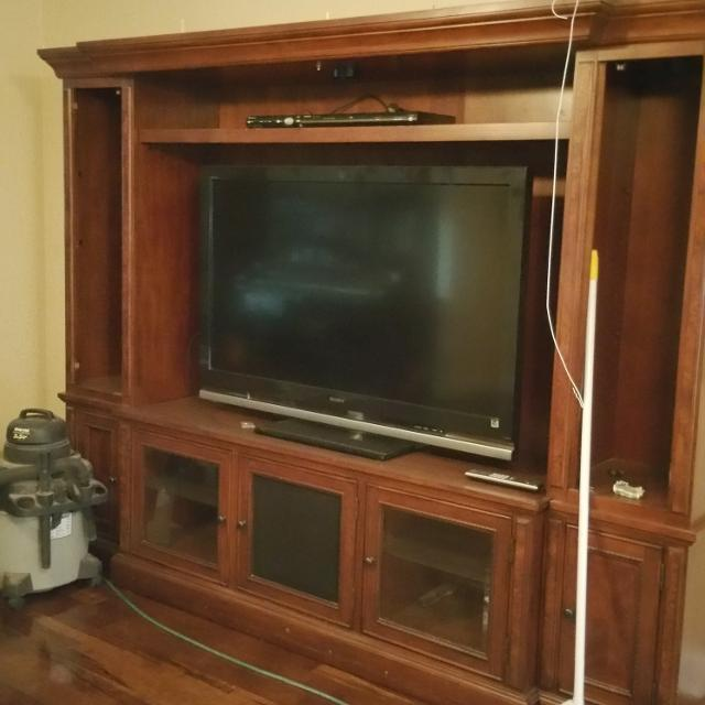 Solid Wood Entertainment Center For It Is 6 Ft 3 In Tall 7